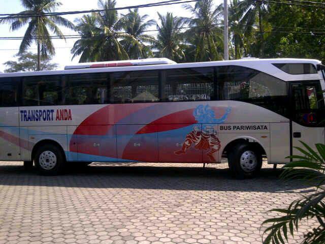 Sewa Bus Lombok
